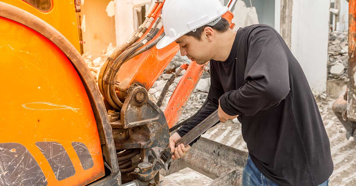 Checklist for Heavy Equipment Inspections Before and After Operation