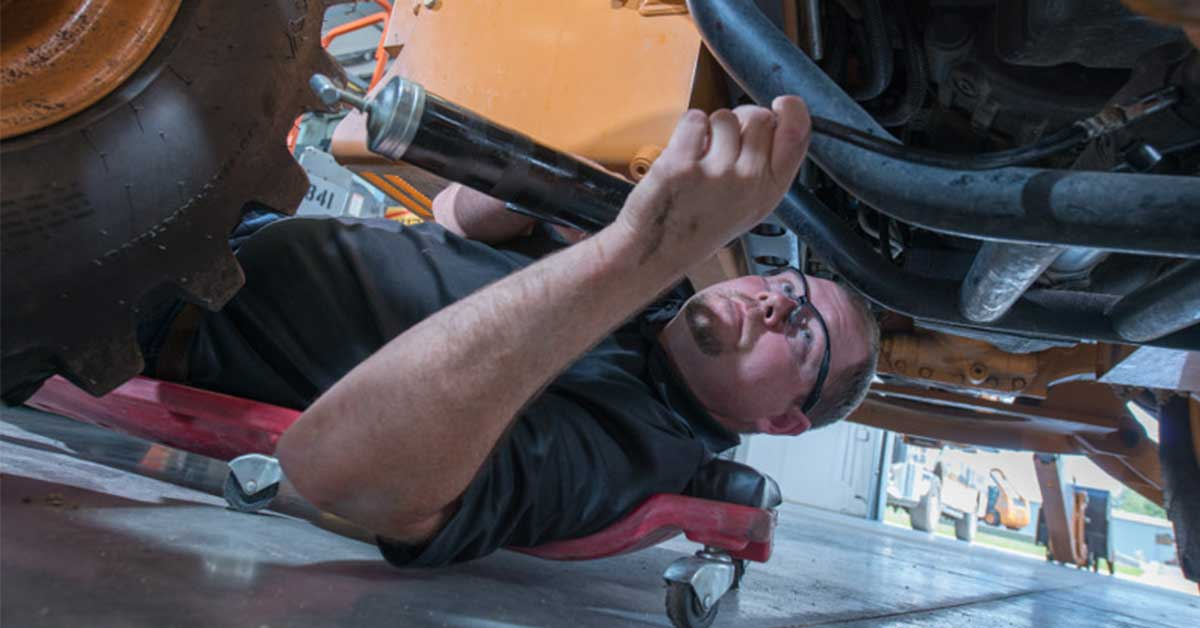 Important Undercarriage Maintenance Tips for Heavy Equipment